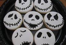 Spooky Treats / Yummy recipes and treats for your Halloween celebration.