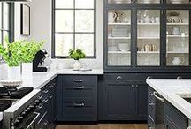Kitchen Dreamin'{Kitchen Inspiration} / Oh man, I dream of kitchens so much.  These are some that stopped me in my Pinterest tracks.