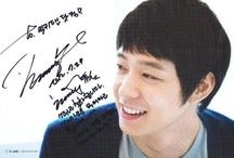 Kpop Autographs / Kpop and Kdrama autographs