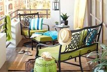 Urban Living Outdoor Space Ideas / Ideas on how to create nice outdoor space with limited patio space.