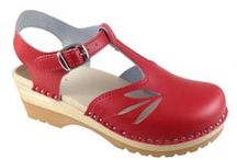 Clogs / Poppy features handmade, Sweedish clogs - Troentorp! See why we love this clogs, and why you will too!