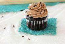 Cakes & Cupcakes / by Tamara-Lynn St-Pierre