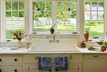 Kitchens / by Julie Wilson