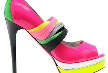 BUZZ BOARD: Neon  / by Running With Heels