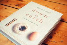 Must Read / by Jana Berrelleza