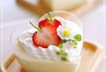 { Dessert } / Rezepte zum Kochen und Backen von Desserts wie Kuchen, Torten, Cremes, Pudding, Gelee und mehr