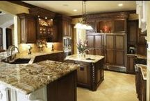 Traditional Kitchens / Kitchen inspiration with a traditional aesthetic