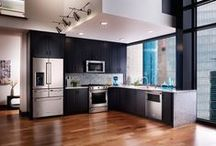 Modern Kitchens / Kitchen inspiration with a modern aesthetic