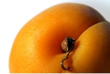 Apricot goes with... / All things glorious that go well with apricot.