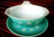 Pyrex & Vintage Pretties / by The Girlie Tomboy