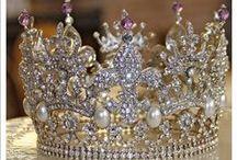 Crowns & Tiaras / by Karen Melo