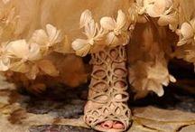 Wedding Dress Ideas / by Chít Chít Béo