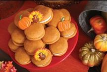 giving thanks / Great ideas for decorating and hosting a perfect Thanksgiving / by Bakery Crafts