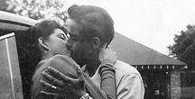 """BESAME MUCHO . / """"Para mi próximo truco, necesito que me beses, y haré aparecer mágicamente mariposas en tu estomago"""" - Pablo Neruda"""