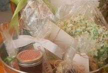 GIFT-TASTIC / GIFT-BASKET / GIFT IDEAS / by Connie Kight