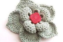 Crochet + Crochet: Flowers / by Claudia Martin