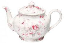 Teapots / by Cat Man Du