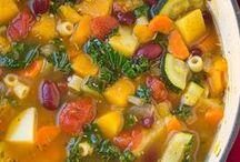 Soups, Stews and Chilis / by Linda Gadzinski