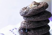 Yummy cookie recipes / These fabulous cookie recipes will disappear faster than you can make them.