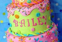 Decorating cakes / by Dianne Bailey