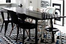 Rugs / Rugs that compliment the room.