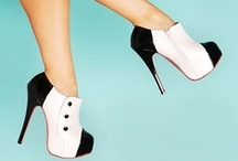 Accessorize: Shoes on Shoes / by Ashleigh Irwin
