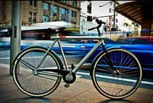 VANMOOF M.1 / The ever first collection of VANMOOF bikes, created in 2009.   This striking but practical VANMOOF bicycle is specially designed for the ambitious city dweller that prefers to move around town fast, in comfort and style.