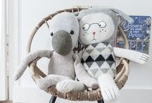 Plushies & Monsters / Plushies & monsters & stuffed animals / Peluches per bambini