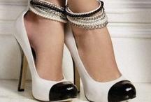 Shoes / by Karen de Goede