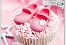 Strictly cupcakes / by Karen de Goede
