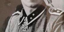 Sudetendeutsche Soldaten / Alle persönlich signierte Fotos sind aus meine private Autogrammen Sammlung. Ich suche IMMER weitere. Kann tauschen (zirka 400 andere RKT Fotos) oder kaufen für Ihre Preiss.