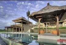 Villa Puri Bawana, Canggu / Villa Puri Bawana is a uniquely beautiful 5 bedroom villa, located in the strategic area of Canggu. This villa is designed for relaxation and getting away from the stresses of quotidian life, and boasts a classic Bali design while sacrificing nothing in terms of creature comforts. Its spacious grounds and many features make it ideal for families or groups of friends traveling together.