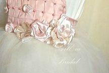 Flower girls,  Bridesmaid, ring pillow, flower basket / Bridesmaid dress, flower girls