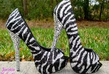 Shoes & Clothing I like / by LaDonna Stinebaugh
