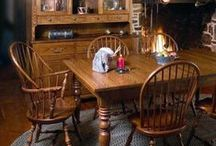 Colonial Style Amish Furniture / Early American furniture and Colonial furniture is a popular choice for home furnishings.  DutchCrafters reproduction Colonial furniture is Amish handcrafted from solid wood in America.  It has the look of antique furniture but is made for each customer to your specifications.