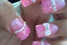 Girly - Diva / Pedicures and manicures