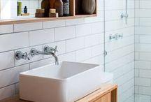 BATHROOM / Bathroom decoration, modern, vintage, mid-century, warm, tile, subway tile, decor.