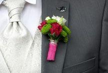 Anstecker / Auch der Bräutigam soll perfekt aussehen am Hochzeitstag. Hier findet Ihr daher eine Auswahl unserer bereits liebevoll hergestellten Anstecker
