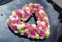 Autoschmuck / Ihr seid auf der Suche nach passendem Autoschmuck für Eure Hochzeit? Hier seid Ihr richtig – wir zeigen Euch unsere schönsten Dekorationen...