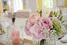 Tischdeko in Rosa und Pink / In dieser Pinnwand findet Ihr eine Auswahl an Hochzeits-Tischdekorationen in den Farbe Rosa und Pink für den schönsten Tag Eures Lebens <3