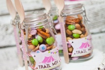 Gift In Jars / Lots of great ideas for gifts in jars!
