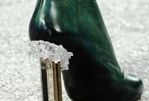 zapatos / fancy shoes. / by Julie Ordoñez