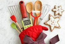 Creative Gift Ideas / Creative, homemade and DIY gift ideas. Great ways to bring a personal touch to your gifts.