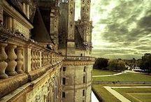 Série: Castelos / Conheça os castelos mais lindos e famosos do mundo!