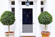 dream home // exterior / dream homes // architecture // exterior architecture // front door inspiration // landscaping ideas // front porches