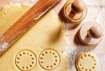 dessert recipe ideas / sweets // desserts // dessert recipes // easy desserts // no bake desserts // vanilla deserts // cake recipes // cupcake recipes // cookie recipes // sweet treats