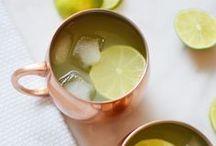 cocktail recipe ideas / cocktails // cocktail recipes // cocktail recipe ideas // easy cocktail recipes // easy cocktail ideas // christmas cocktails // summer cocktails // winter cocktails