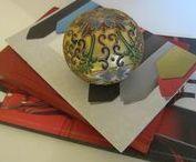 Oriental Delights / Inspired folk artists, exploring colors, textiles, woods, glasses, crystals, compositions, porcelain, cloisonne, metalwork, arts on board, canvas, mix media, jewelries... designeruniquefinds.com