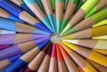 Cor - Lápis de cor / Numa folha qualquer eu desenho um sol amarelo E com cinco ou seis retas é fácil fazer um castelo Corro o lápis em torno da mão e me dou uma luva E se faço chover, com dois riscos tenho um guarda-chuva Se um pinguinho de tinta cai num pedacinho azul do papel Num instante imagino uma linda gaivota a voar no céu...   Aquarela - Toquinho