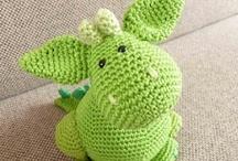 crocheting / by Janneke Vrijdag-de Pater